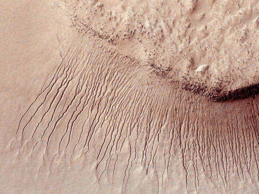 Ландшафты поверхности Марса крупным планом