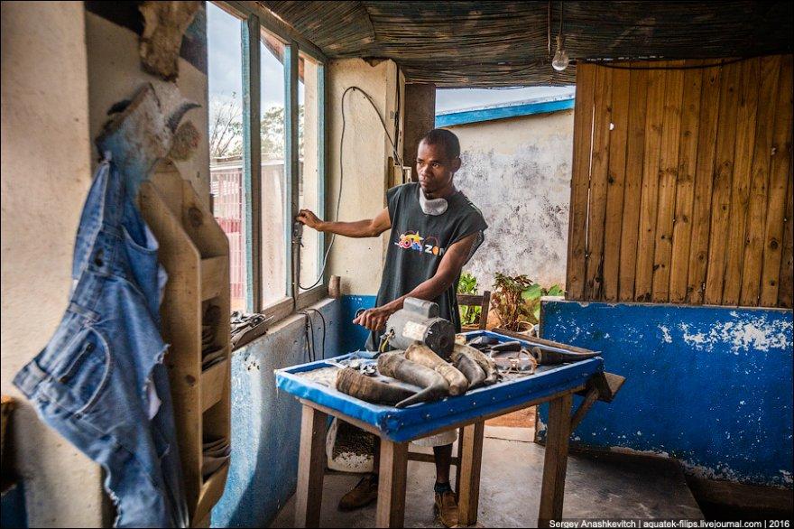 Изделия из коровьих рогов на Мадагаскаре