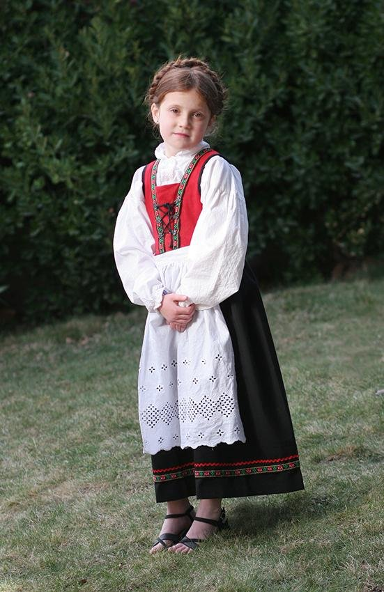 Многообразие национальных костюмов разных стран