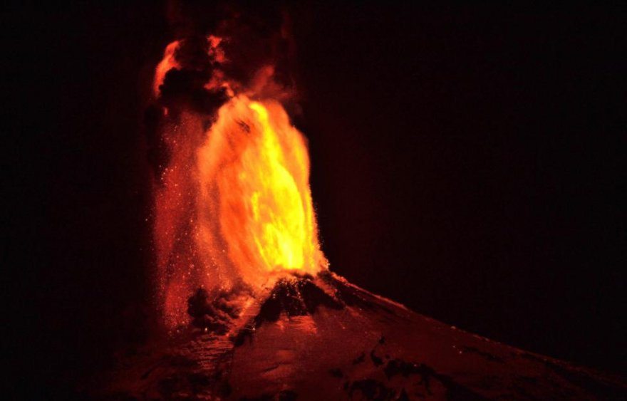 Вулкан Вильяррика в Чили