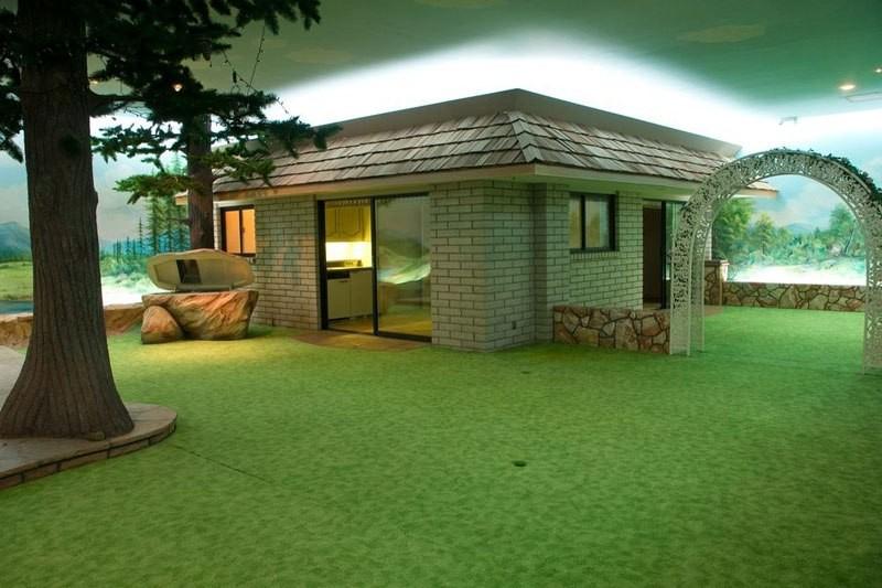 Подземный бункер-особняк под обычным домом в Лас-Вегасе, построенный во времена холодной войны