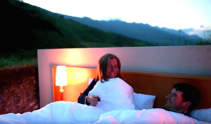 Необычный отель без стен и потолка с лучшим видом на Швейцарские Альпы