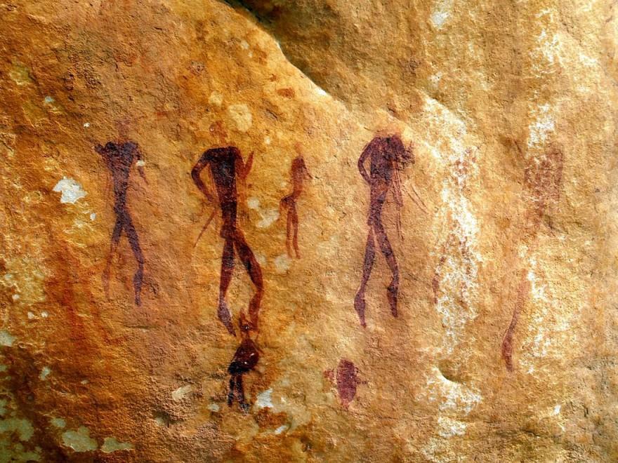 «Первобытный» отель с номерами-пещерами в Африке