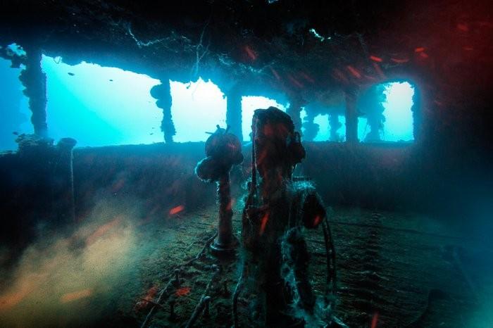 Кладбище военных кораблей атолла Чуук (12 фото)