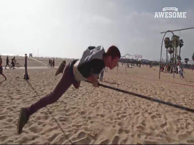 Крутые трюки на слэклайне