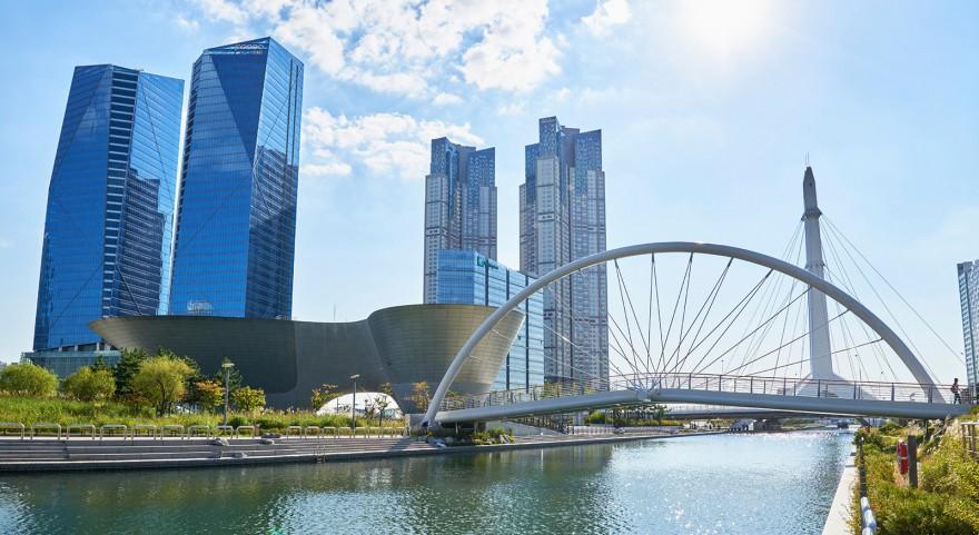 История корейского чуда: как за 10 лет превратить грязное болото в самый технологичный город мира