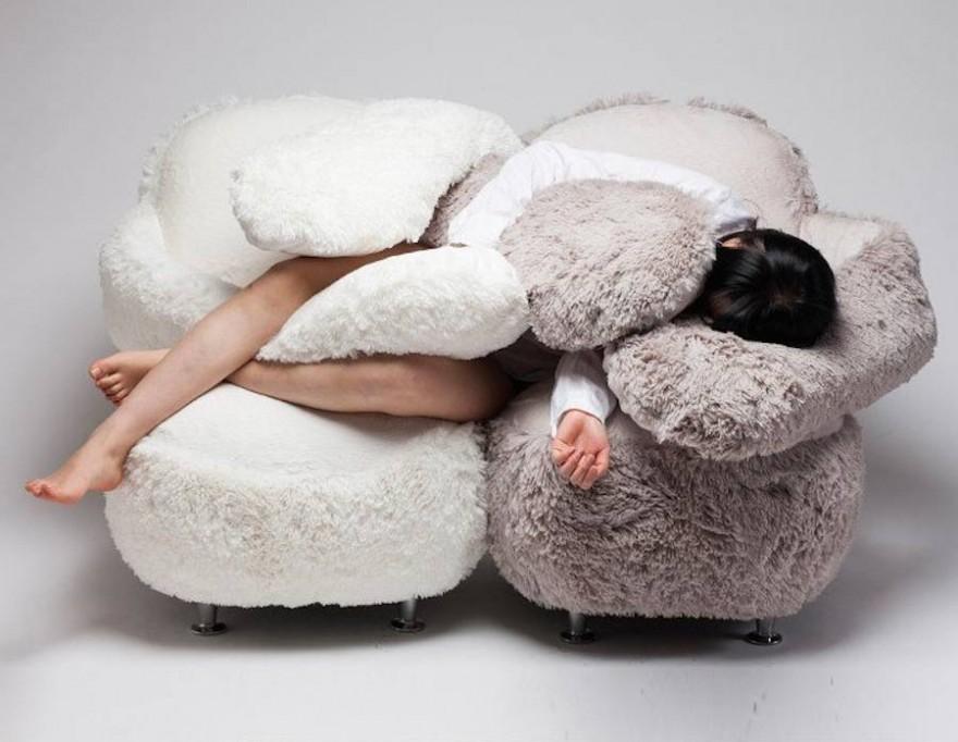 Free Hug Sofa — ����� ��� �������