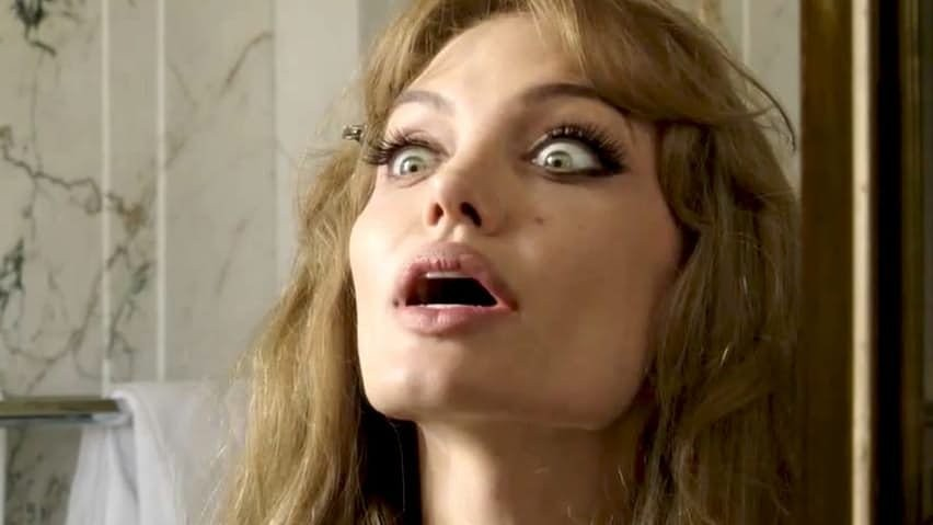 Причины, по которым Анджелина Джоли разводится с Брэдом Питтом