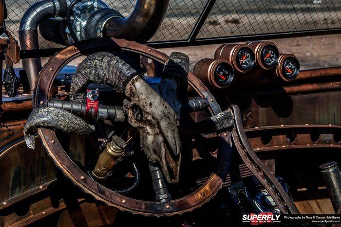 Постапокалиптический хот-род на базе Jeep Willy 1947 года (23 фото)