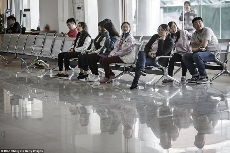 Повседневная жизнь тех, кто собирает iPhone в Китае