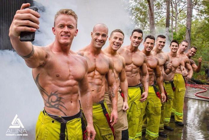 Горячие парни со спасенными щенками: календарь австралийских пожарных