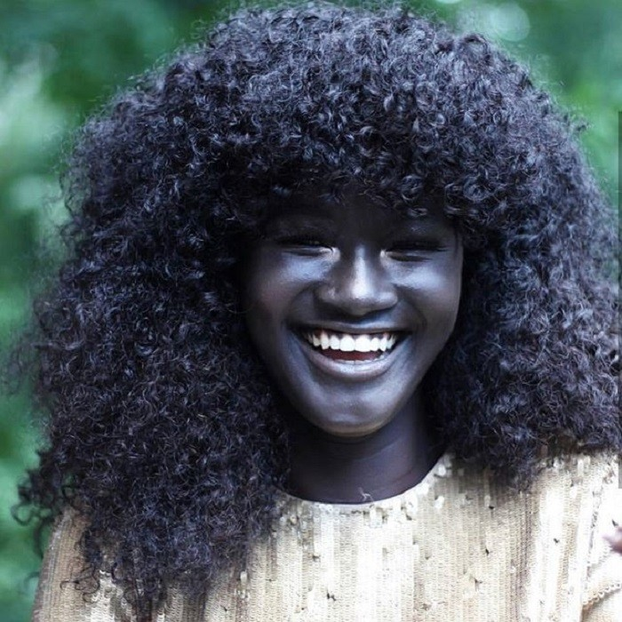 Худия Диоп – модель с самой темной кожей