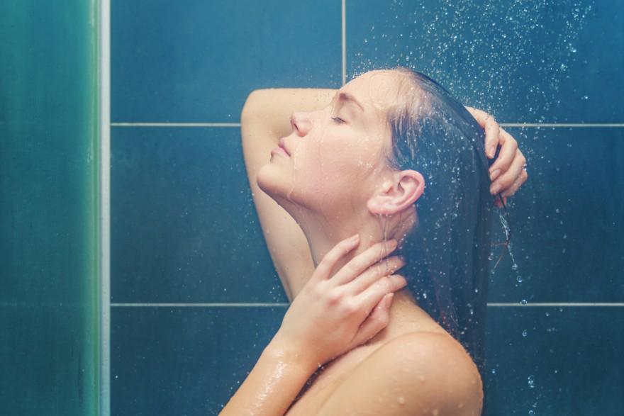 Ученые выяснили, в какое время лучше всего принимать душ и почему