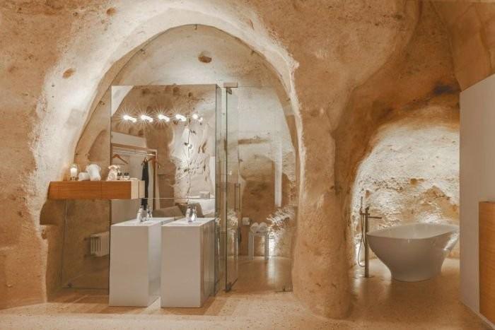 Отель в Италии, высеченный в скале
