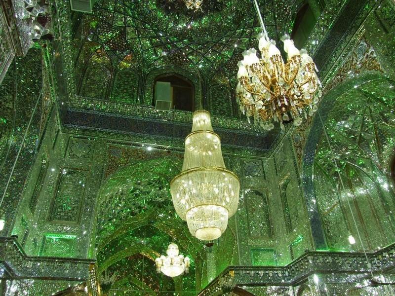 Зеркальная мечеть Шах-Черах — одно из чудес света
