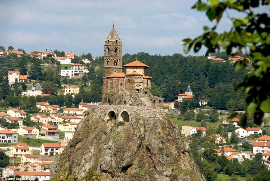 15 самых необычных церквей мира
