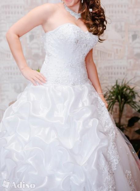 Заставила дочку одеть чужое свадебное платье