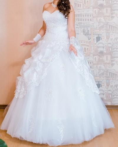Я некрасивая и живу в образе чужой невесты с 7 лет