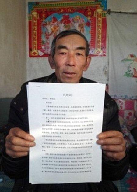 Фермер 16 лет изучал юриспруденцию, чтобы подать иск (3 фото)