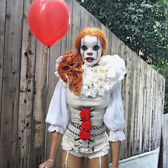 Качественный косплей на клоуна Пеннивайза (3 фото)