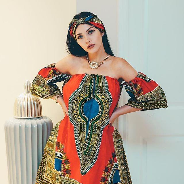 Клаудия Альенде - бразильская копия Меган Фокс с прекрасной фигурой (30 фото)