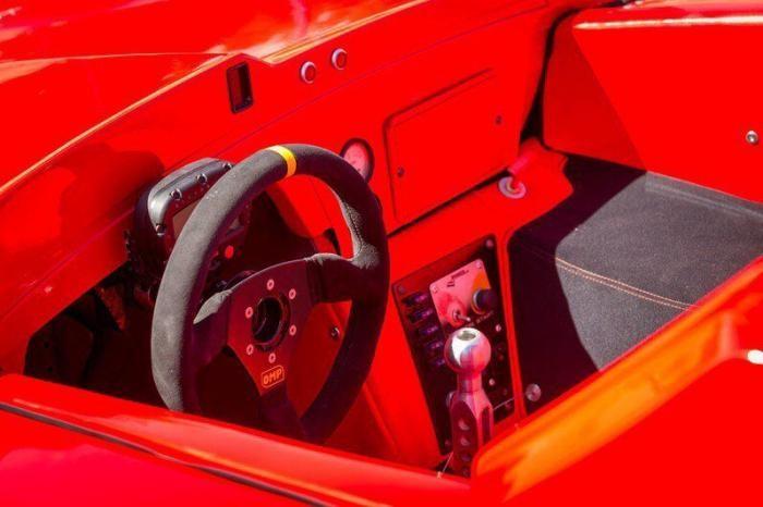 В Тольятти продают гоночную машину Lada Revolution (6 фото)