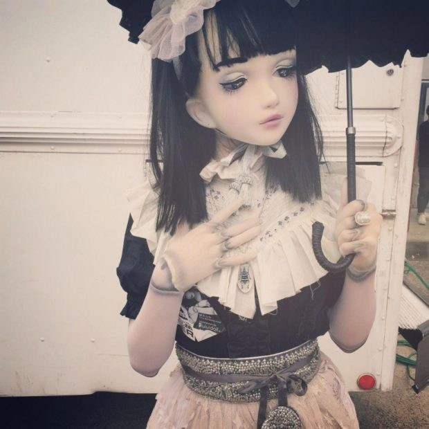 Живая японская кукла (17 фото)