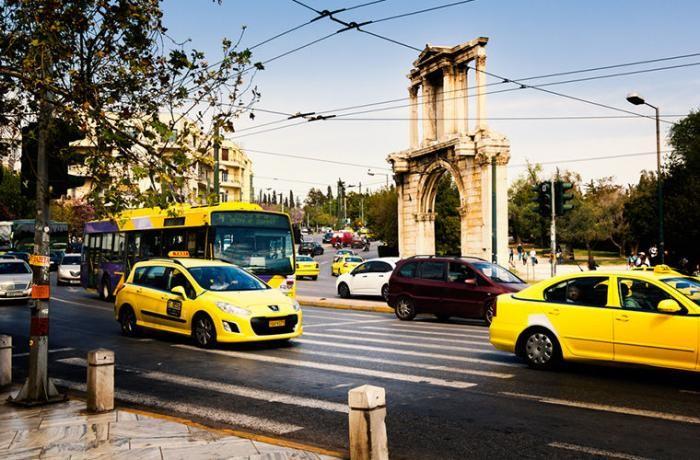Службы такси в разных странах мира (8 фото)