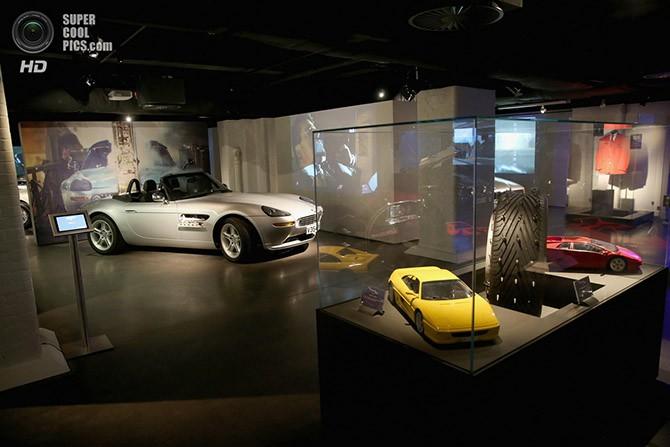 Автомобили агента 007 (16 фото)