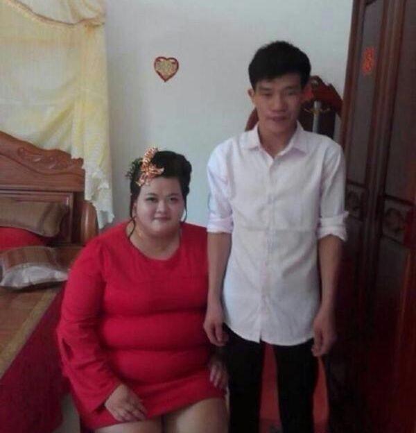 Китайский юноша удачно женился (4 фото)