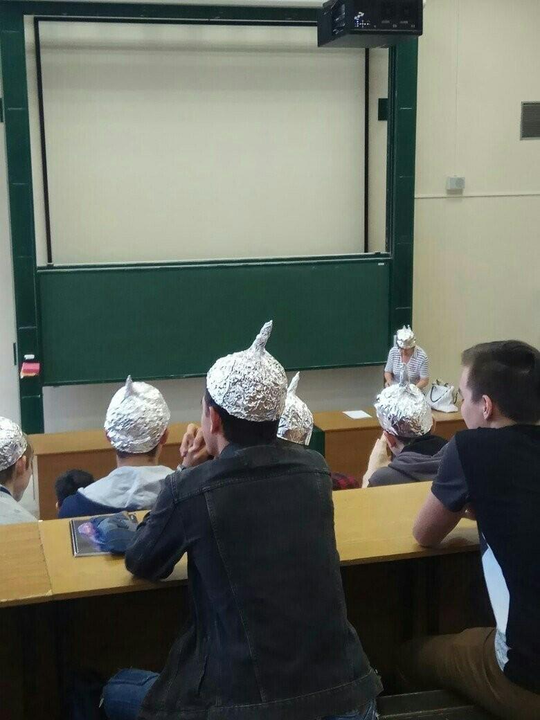 Учеба только началась, а кругом уже дурдом (21 фото)