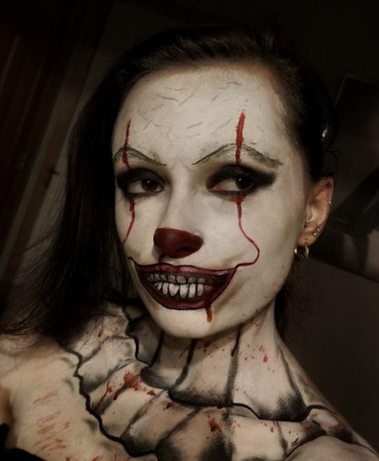 Девушки в образе клоуна Пеннивайза из фильма «Оно» (21 фото)