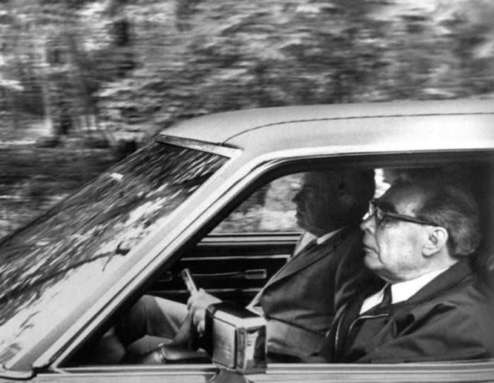 Легендарный ЗИЛ Брежнева продают за 54 млн. рублей (7 фото)