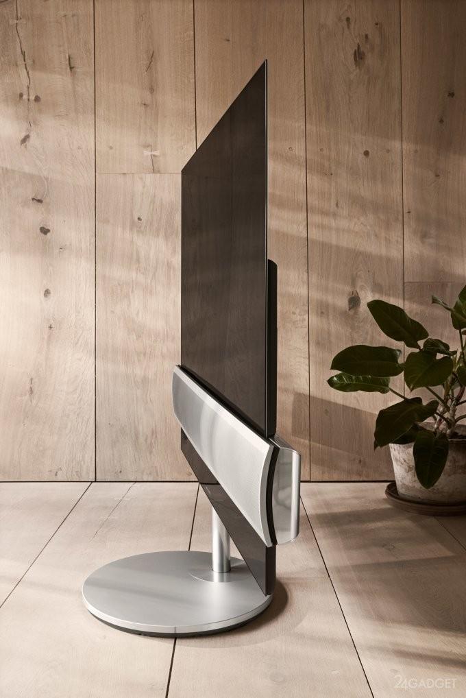 Телевизор от LG и Bang & Olufsen бесшумно передвигается по дому (9 фото + видео)