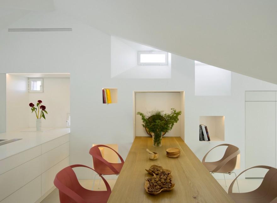 Интерьер двухуровневой квартиры в Мадриде (20 фото)
