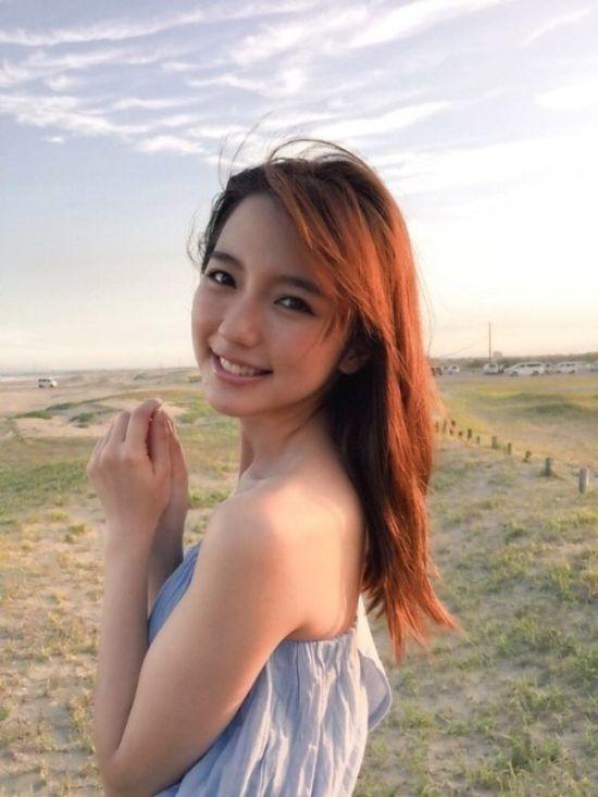Симпатичные азиатские девушки (28 фото)