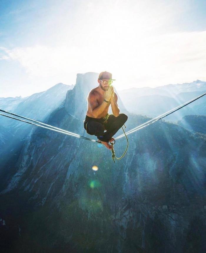 Трюки экстремала, который совершенно не боится высоты (9 фото)