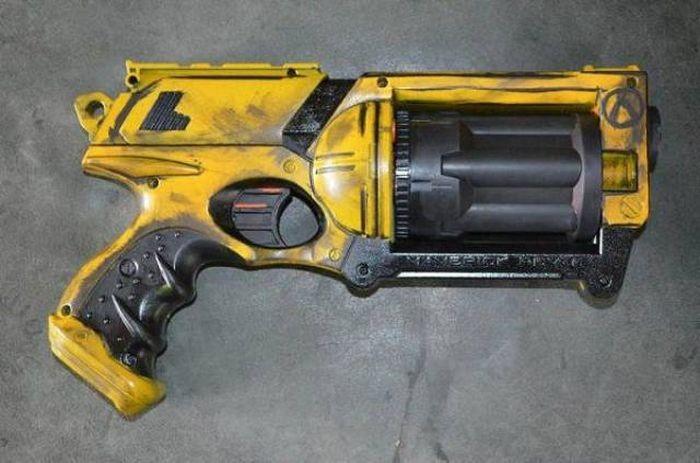 Фантастическое оружие (21 фото)