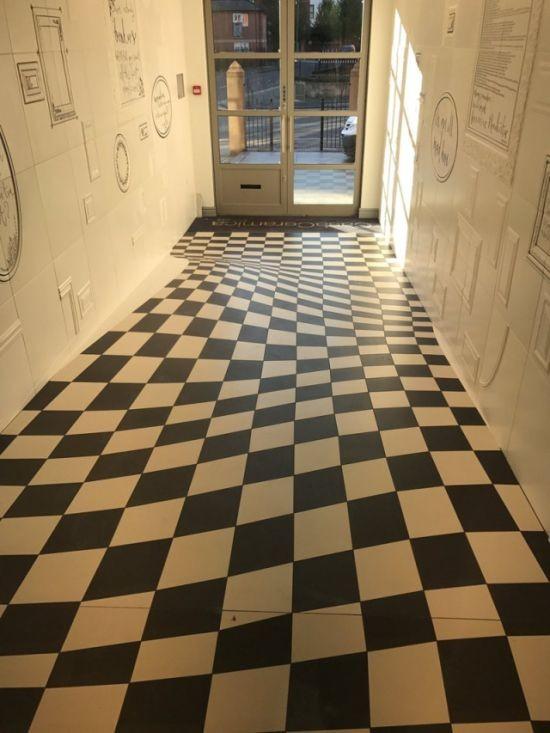 Оптическая иллюзия, которая заставит усомниться каждого (2 фото)