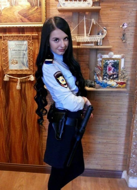 Девушки в рядах МВД (9 фото)
