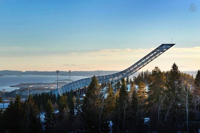 Удивительный пентхаус на лыжном трамплине (9 фото)