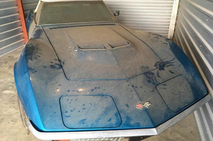 Редчайший суперкар 45 лет простоял в гараже (4 фото)