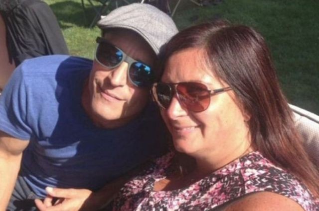 Выиграв в лотерею, канадец сбежал от своей девушки (3 фото)