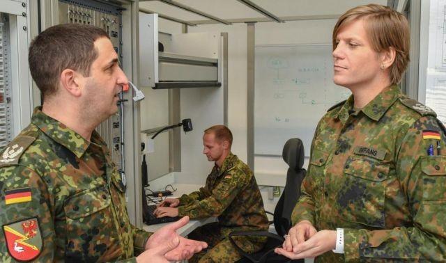 Женщина-трансгендер назначена командующим немецкой армии (5 фото)