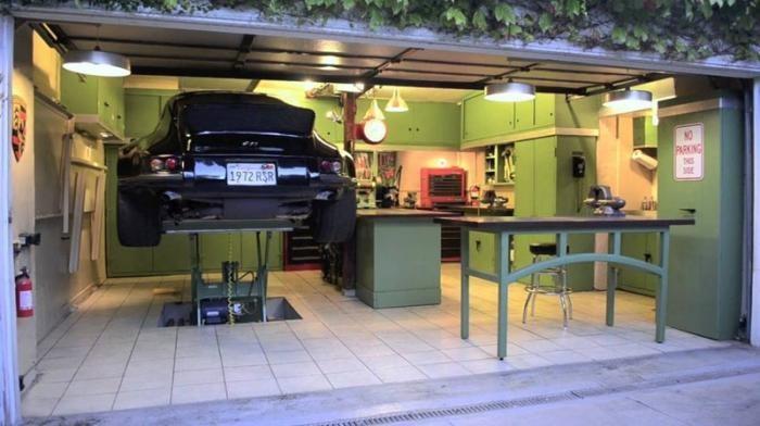 15 звездных гаражей, в которых хочется жить (16 фото)