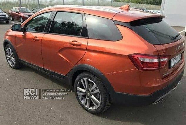 В Сеть попали новые фото универсала Lada Vesta в топовой комплектации (9 фото)
