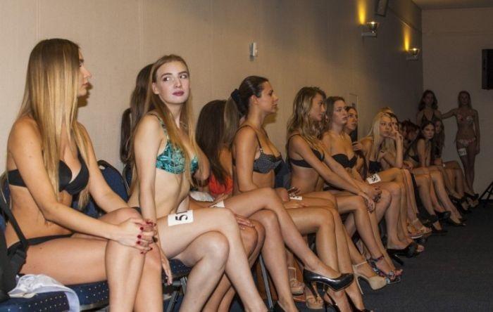 Отбор моделей для показа нижнего белья на Рижской недели моды (30 фото)