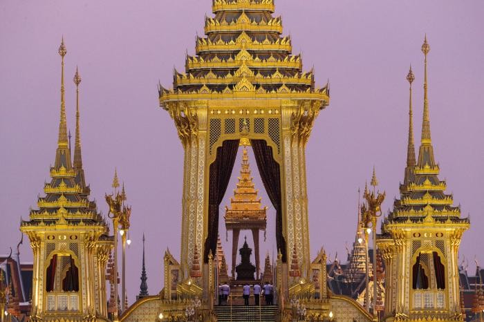 В Таиланде прощаются с покойным королем (27 фото)