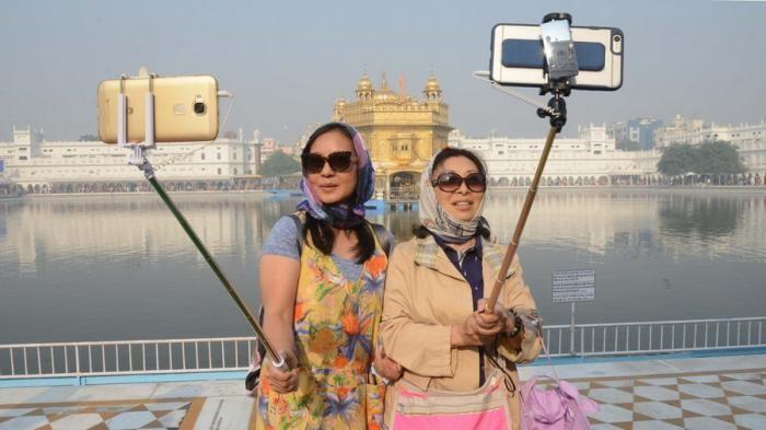 Рейтинг самых ужасных туристов в мире (7 фото)