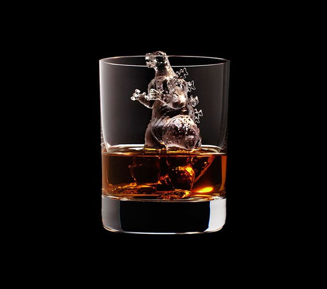 Потрясающие фигурки льда для виски (14 фото)